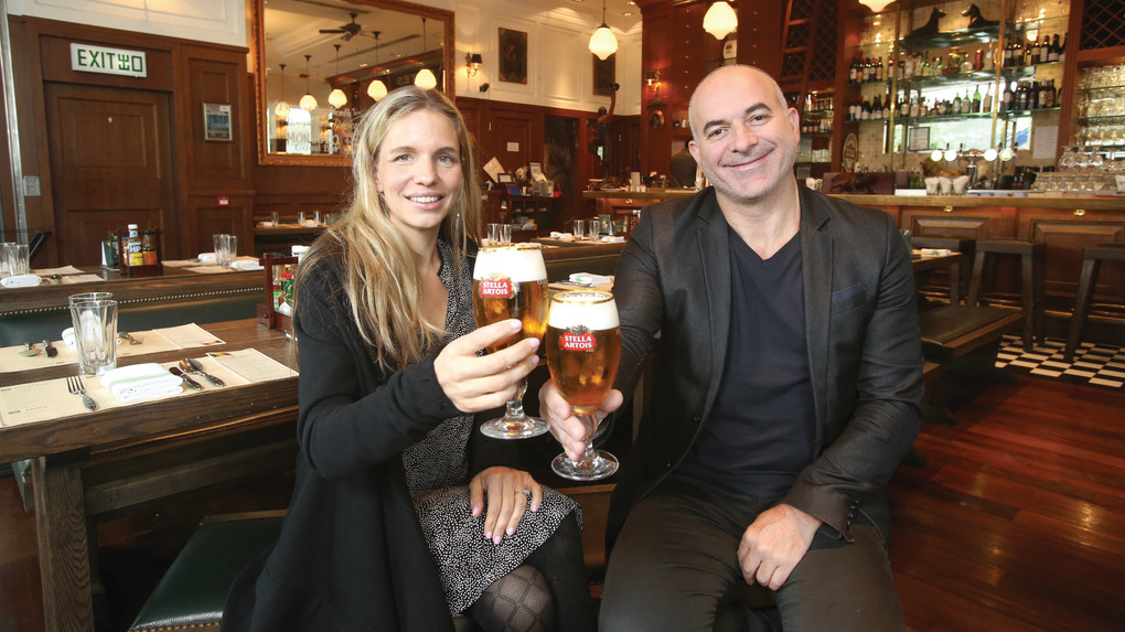 Katrina(左)和Viviano(右)表示,近年租金回落是良好的契機,有助發展Frites品牌,希望可擴展到10間分店,並開拓海外市場。(湯炳強攝)
