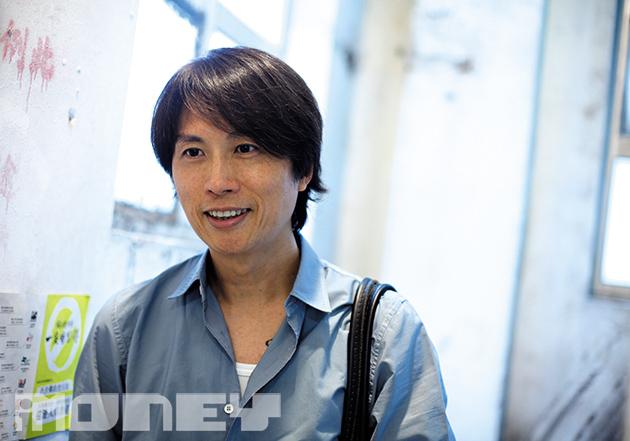 黃子華憶述最初演出計劃有機會不能成事,包括劇本版權問題,還有導演陳曙曦是否可以參與。(王嘉昌攝)