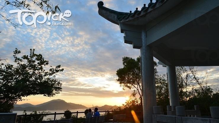 郊遊徑盡頭有個南朗亭,日落黃昏已很迷人。(Kin Lau攝)