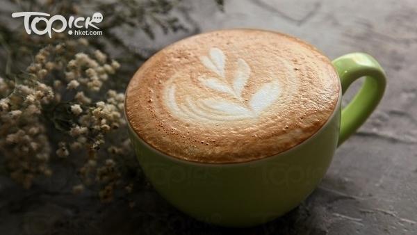 帶有榛子味的鮮奶咖啡,$35。(曾有為攝)