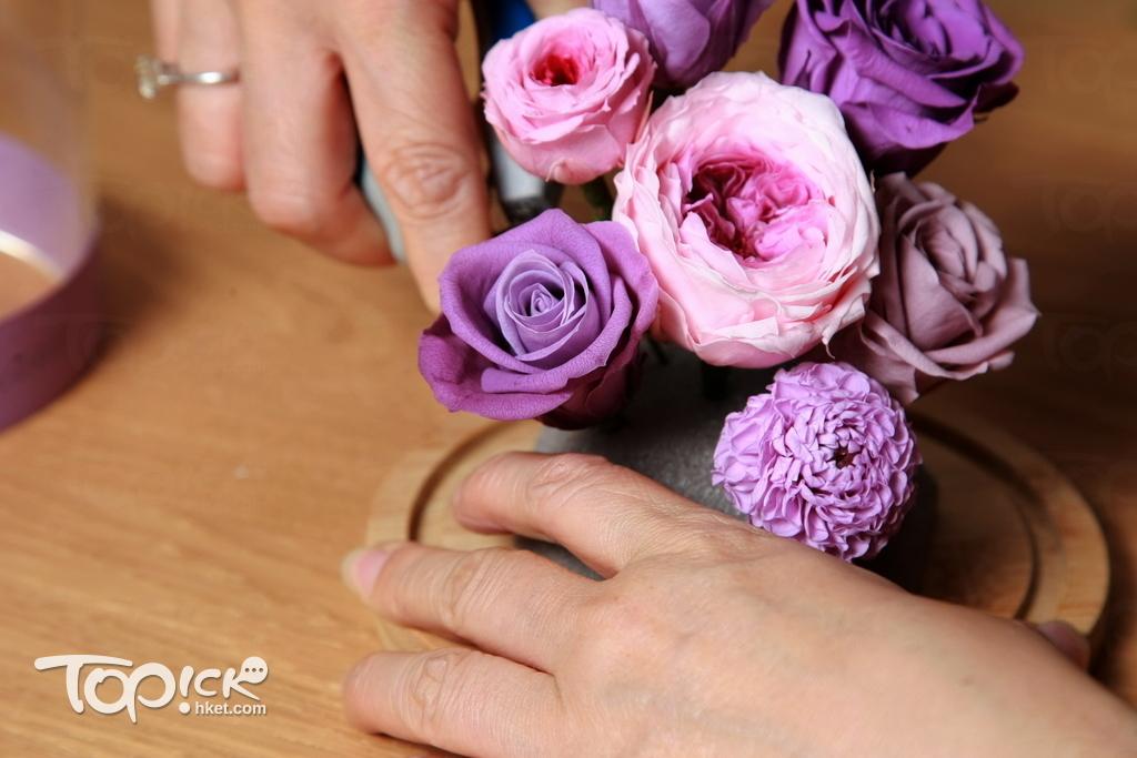 短短年多的時間,Elaine已教了接近500個學生保鮮花花藝。(曾有為攝)