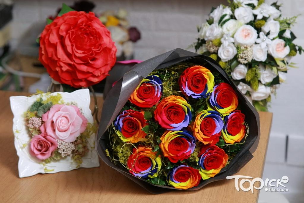 Elaine的花藝非常全面,花籃、花束、花球、佈置、盆栽等不同類型都難不到她。(曾有為攝)