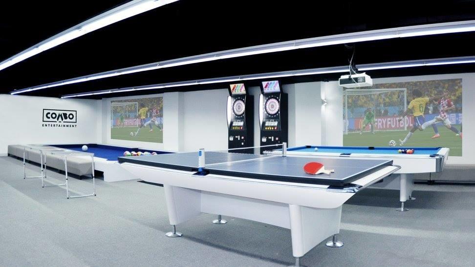 Combo是綜合遊樂場地,有乒乓波、桌上足球、虛擬實境遊戲、賽車等玩意。(被訪者提供)