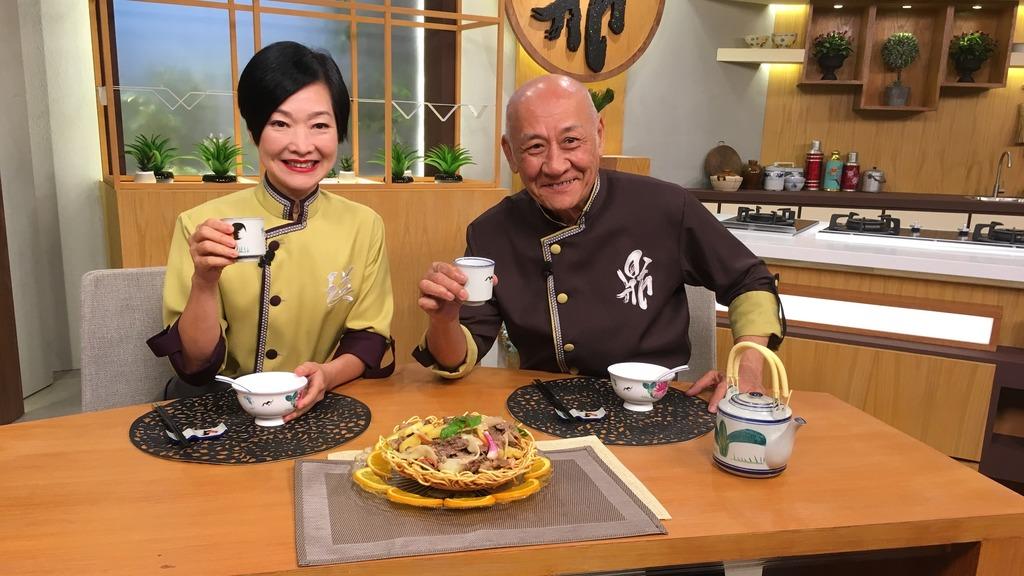 鼎爺與阿譚認為從煮食也能參透做人的道理及相處之道。(TVB提供)