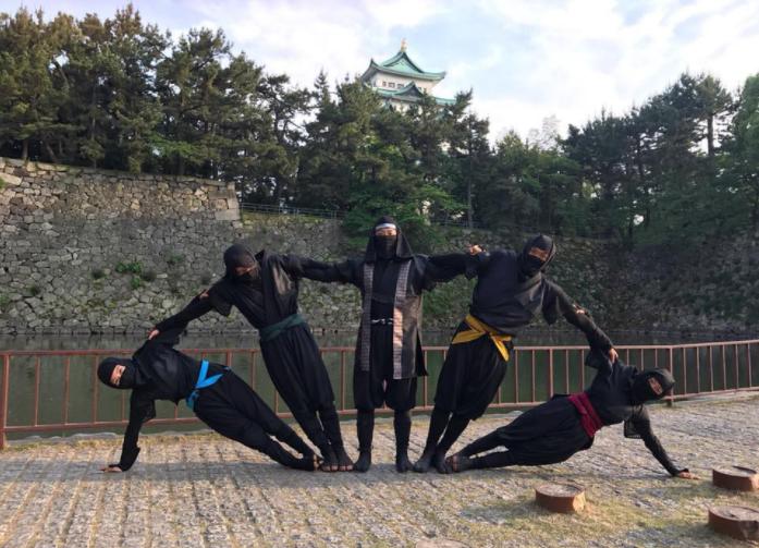 主要在名古屋城等觀光景點,表演忍者技藝。