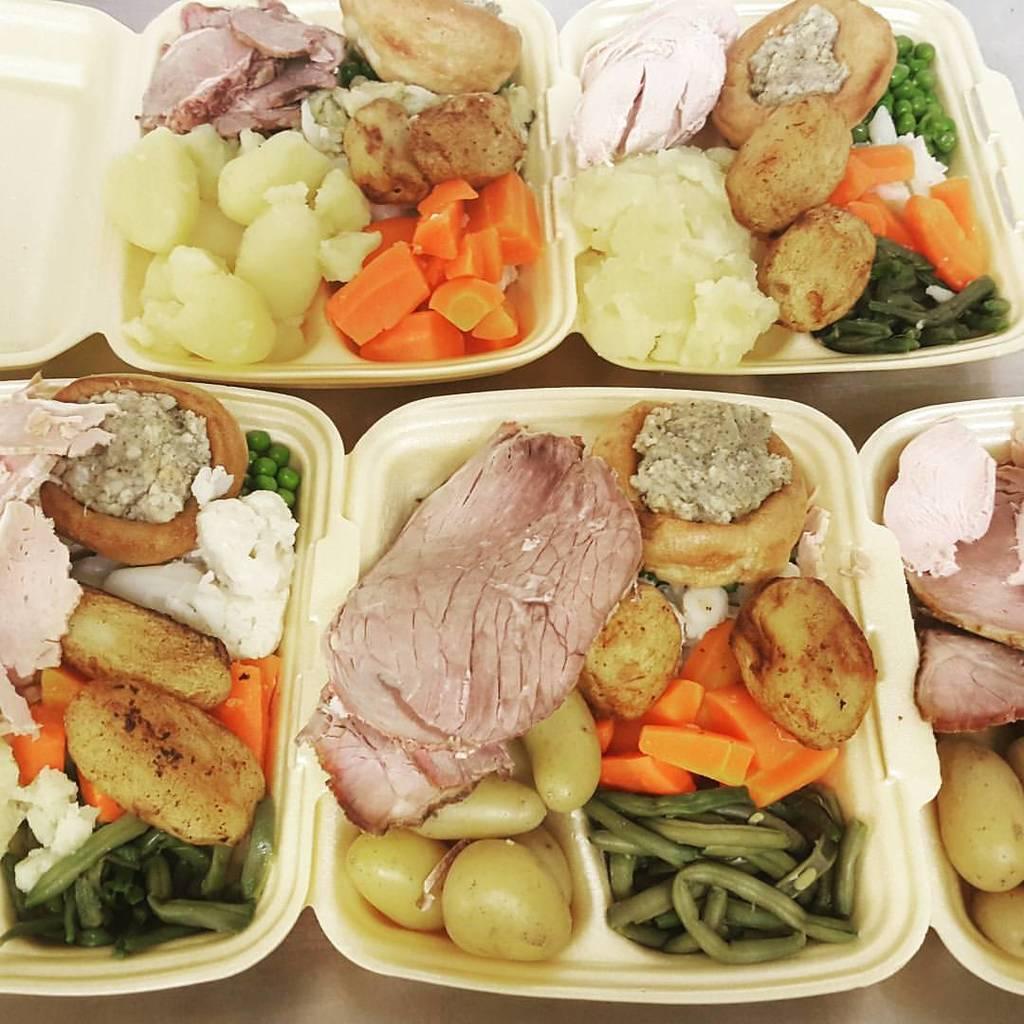 不少食客大讚該店的食物用料足,份量亦夠多。(Curlys Dinners Facebook專頁圖片)