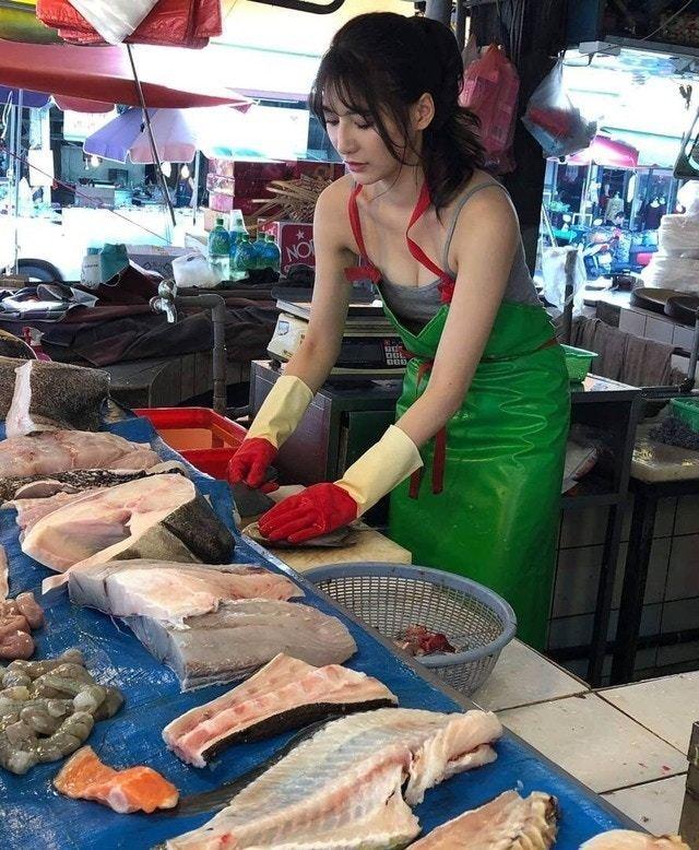 劉芃芃, 阿澎, 賣魚, 台灣