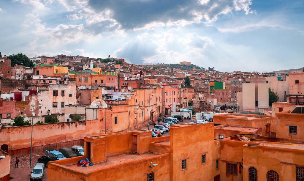 遊客必到的菲斯古城,愈來愈多人開辦民宿。(網上圖片)