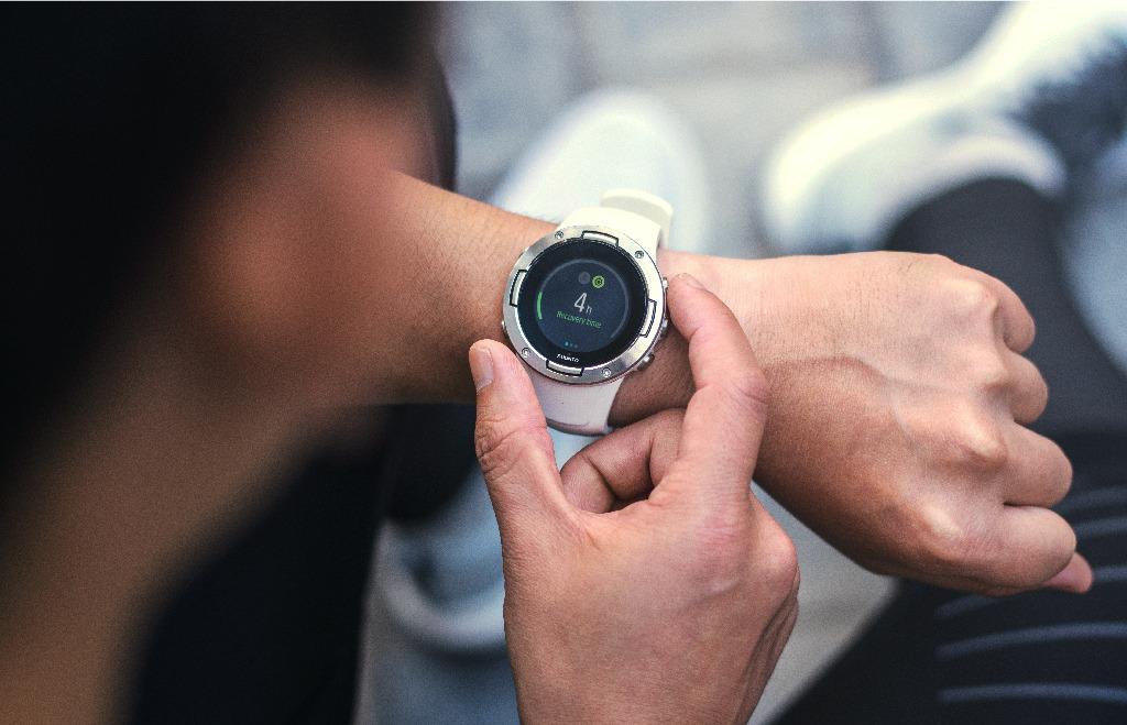 延續了 Suunto 在探險裝備領域的優勢,Suunto 5 GPS運動腕錶能夠經受自然界的各種嚴峻考驗,堅固耐用。