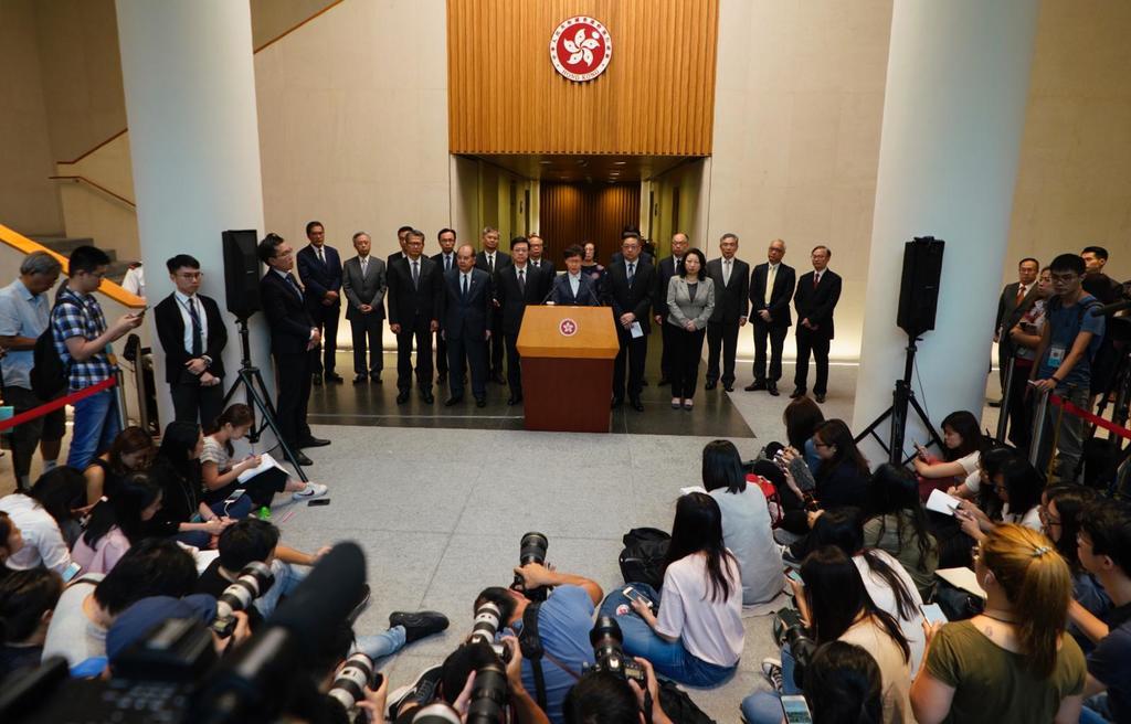 林鄭在記者會上被多名記者追問有關元朗襲擊一事。(林宇翔攝)