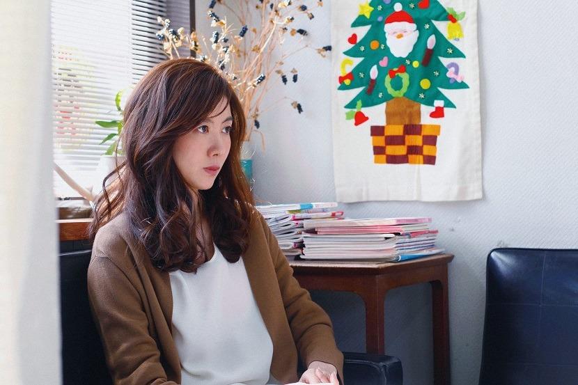 友坂理惠在《暖男花店》飾演人妻。