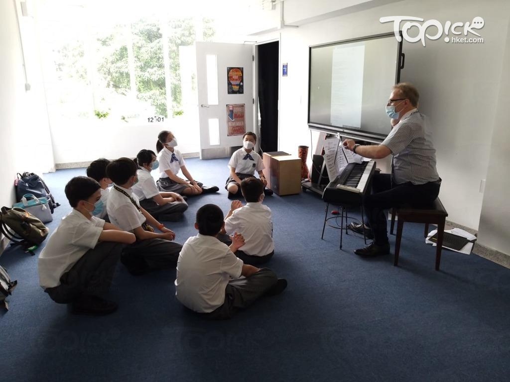 教學團隊來自8個國家、9個地區,包括香港、中國內地、英國、法國、西班牙、馬來西亞、泰國、印度等。(相片由受訪者提供)