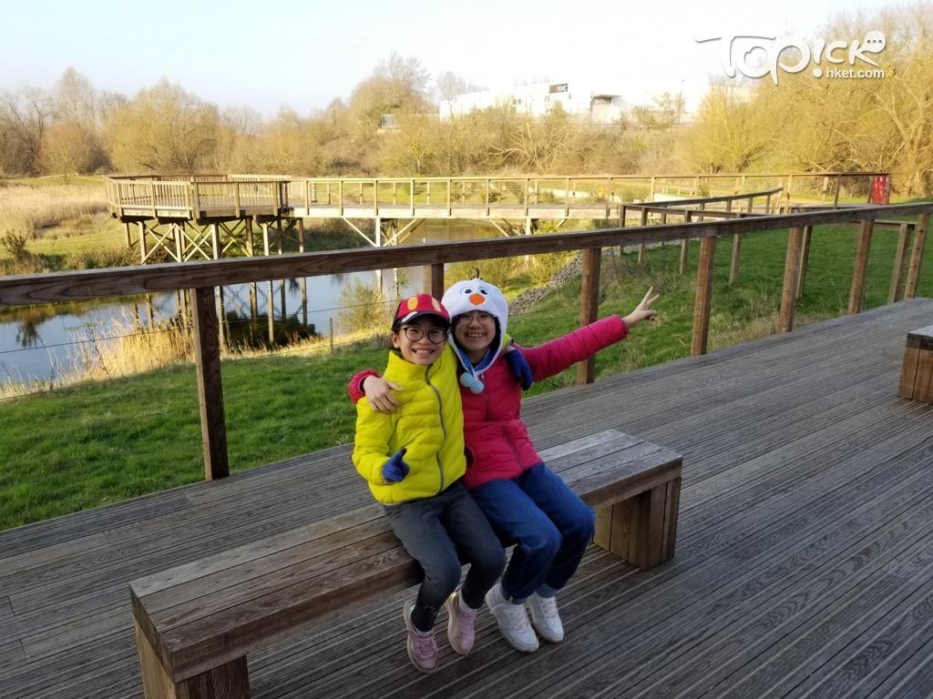 兩姊妹在雷丁有更多機會走近大自然。(相片由受訪者提供)